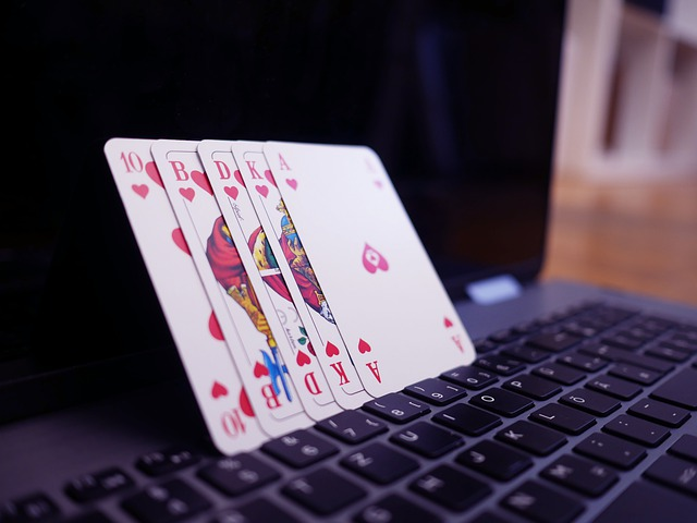 How to play online poker in Singapore?