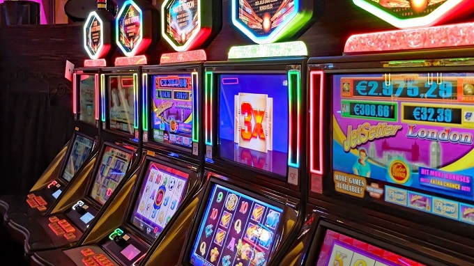 What are the best slot machines with bonus features?