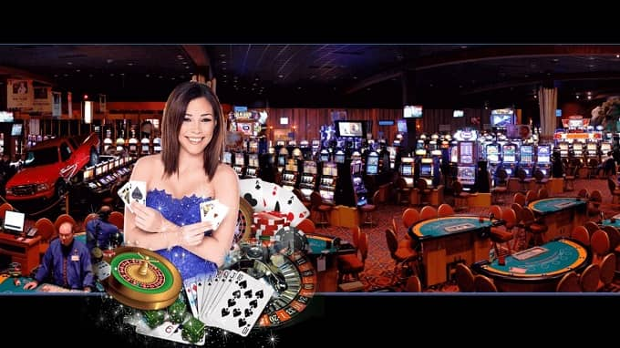 What is an online live casino academy?